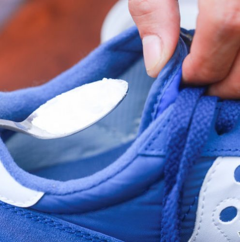 Clean Smelly Sneakers Step 2