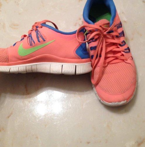 Nike Plus Tennis Shoes Size