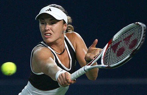 Hingis inducted into Tennis
