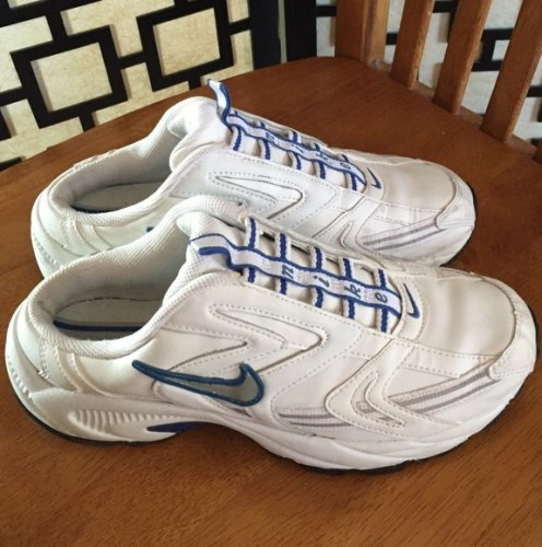Nike Shoes - Nike slip on
