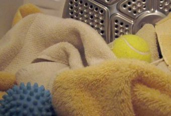 Are tennis balls safe in the dryer
