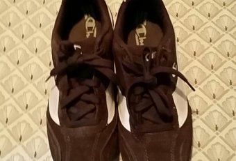 Brown Suede tennis shoes