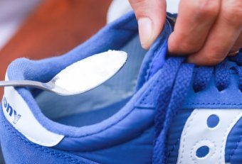 Fix smelly tennis shoes