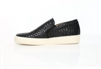 Slip-On on tennis shoes Women